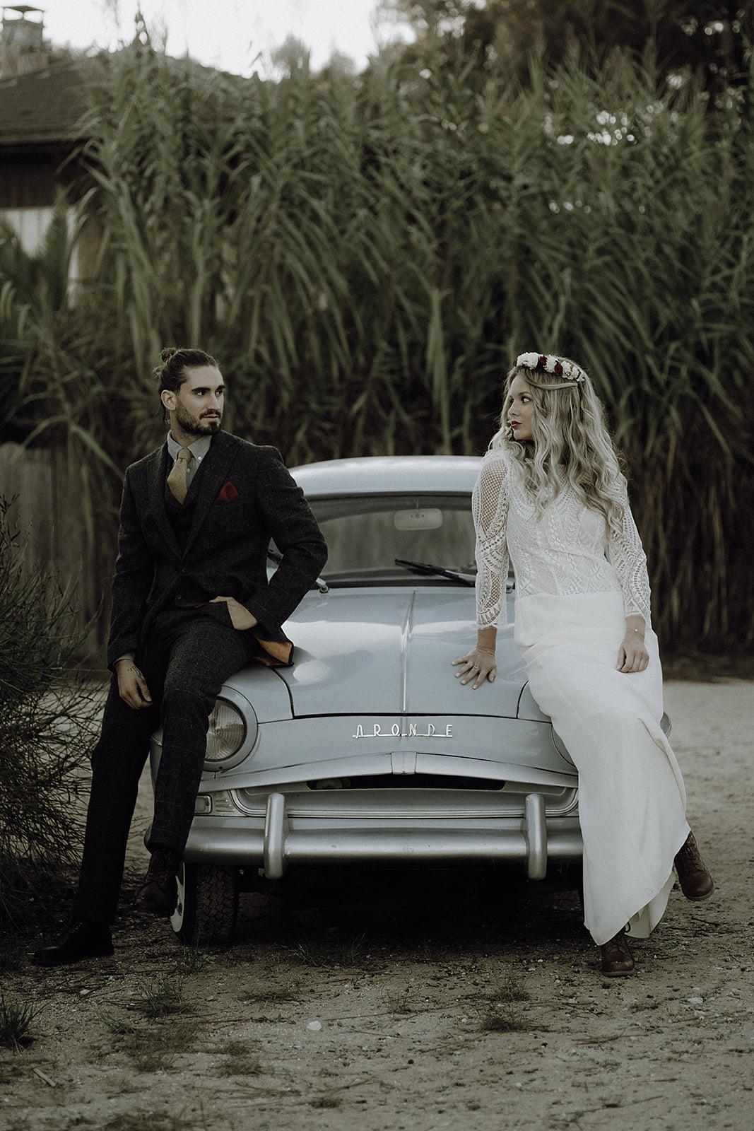 elopement-cap-ferret-bassin-arcachon-couple-voiture