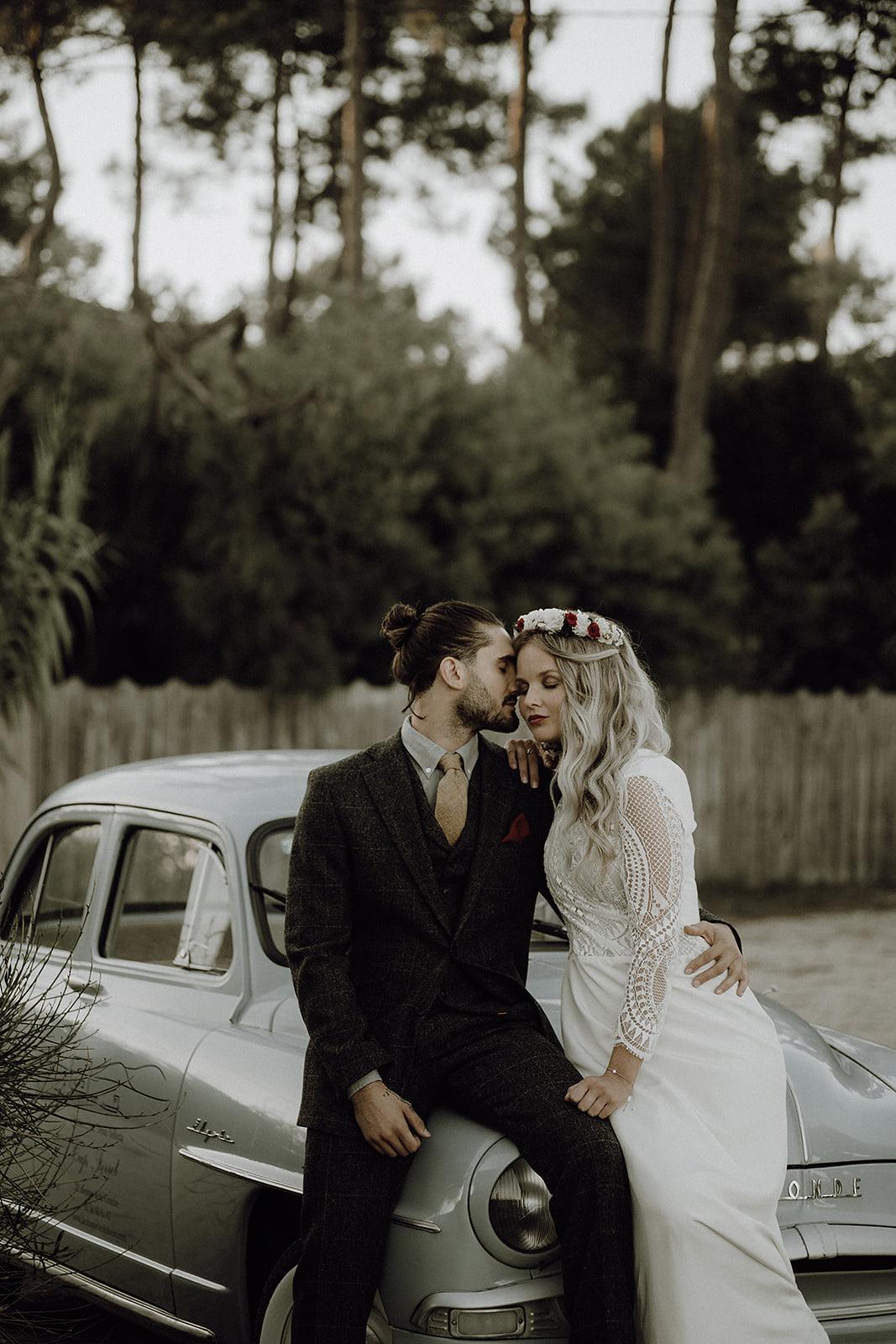couple-amoureux-cap-ferret-bassin-arcachon-couple-voiture