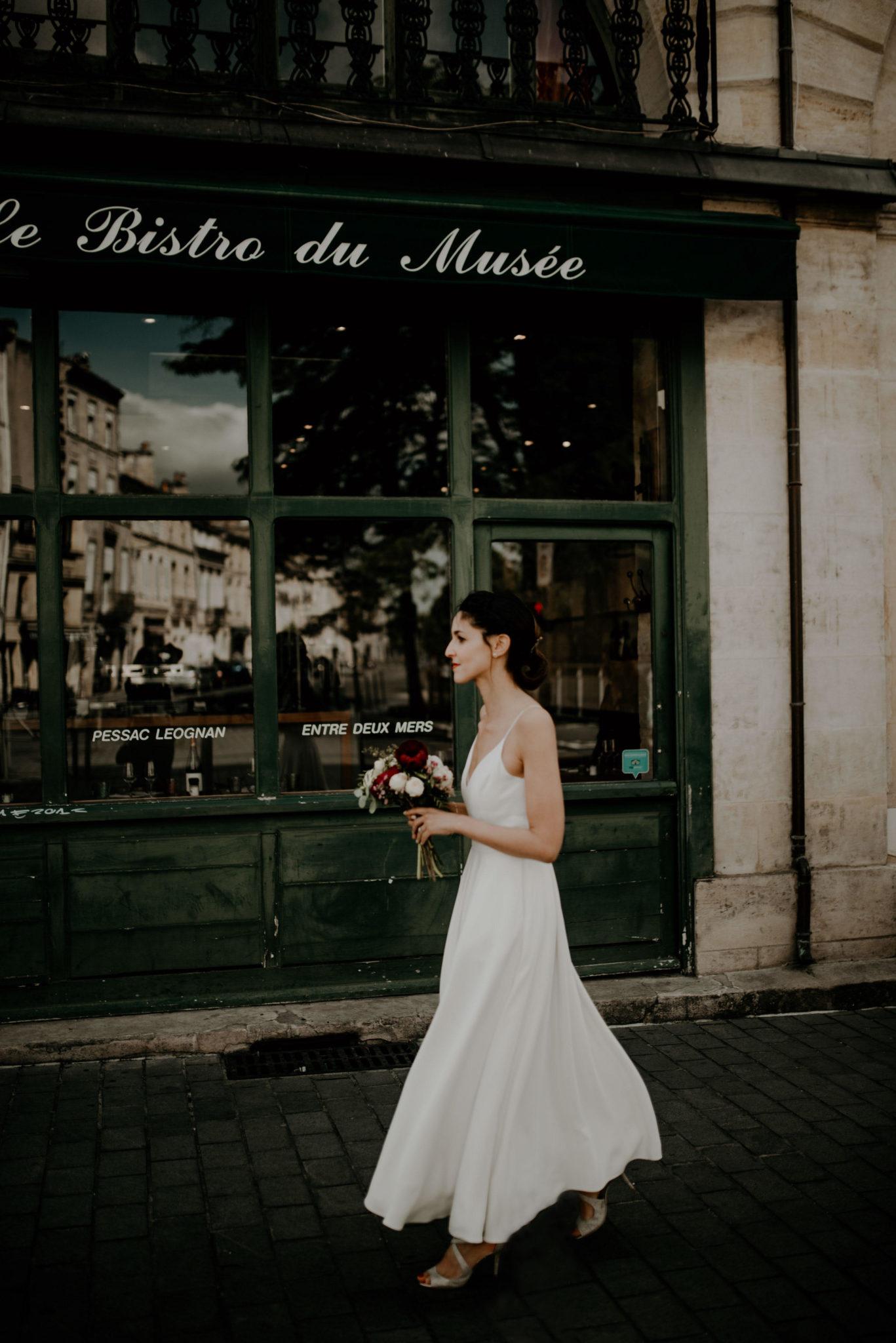 Mariage au milieu des vignes, mariée