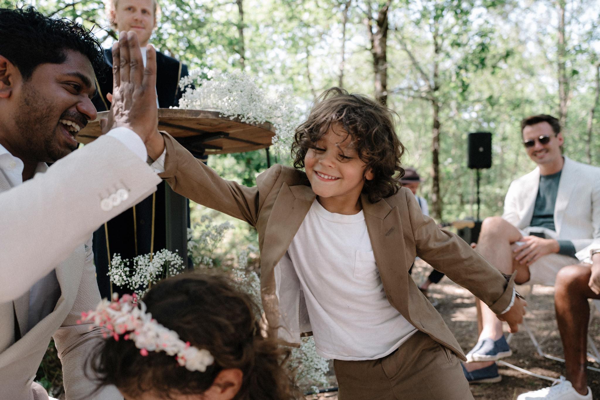wedding-destination-bordeaux-famille-ceremonie