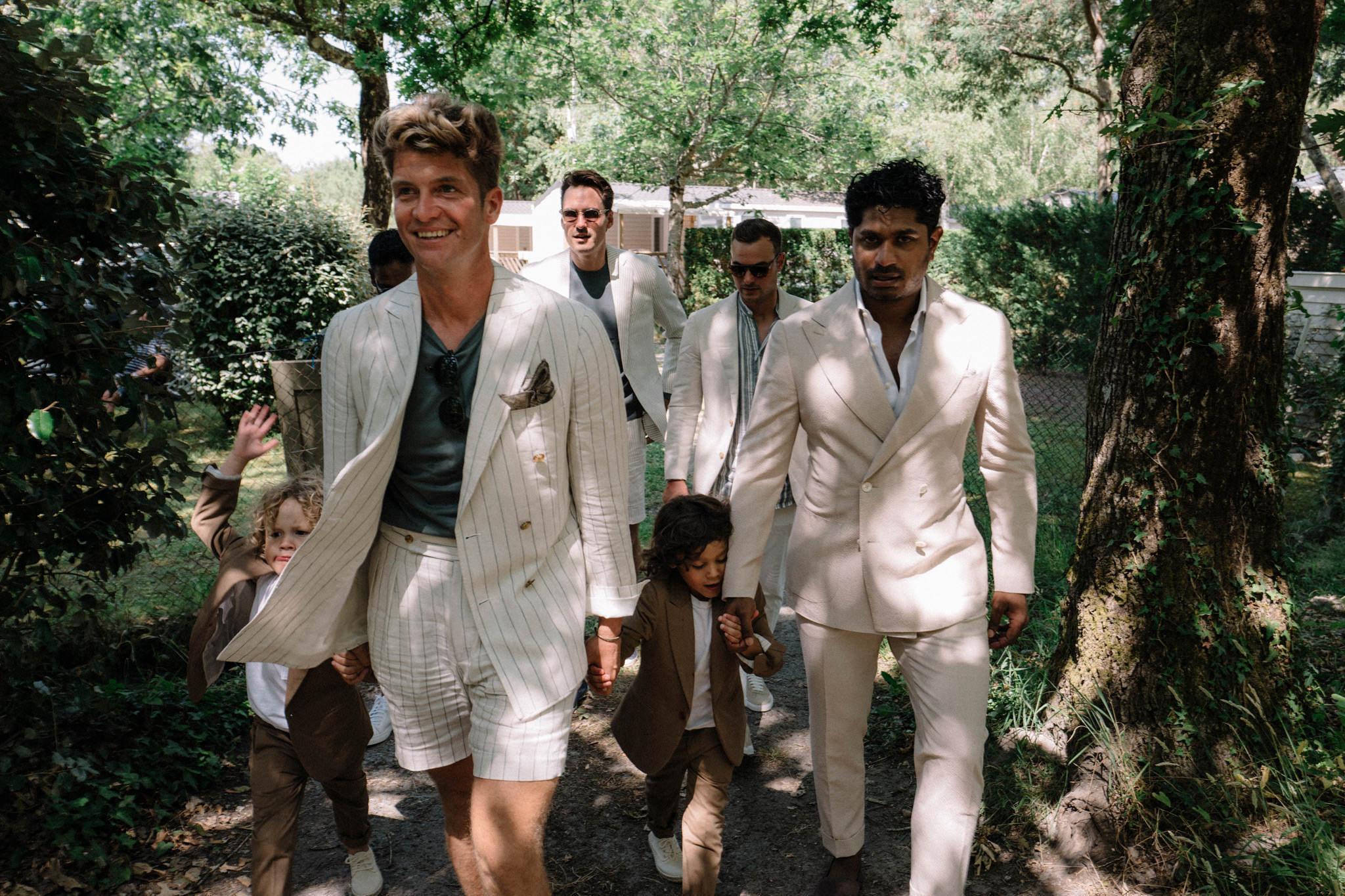 wedding-destination-bordeaux-france-boys-sparkly