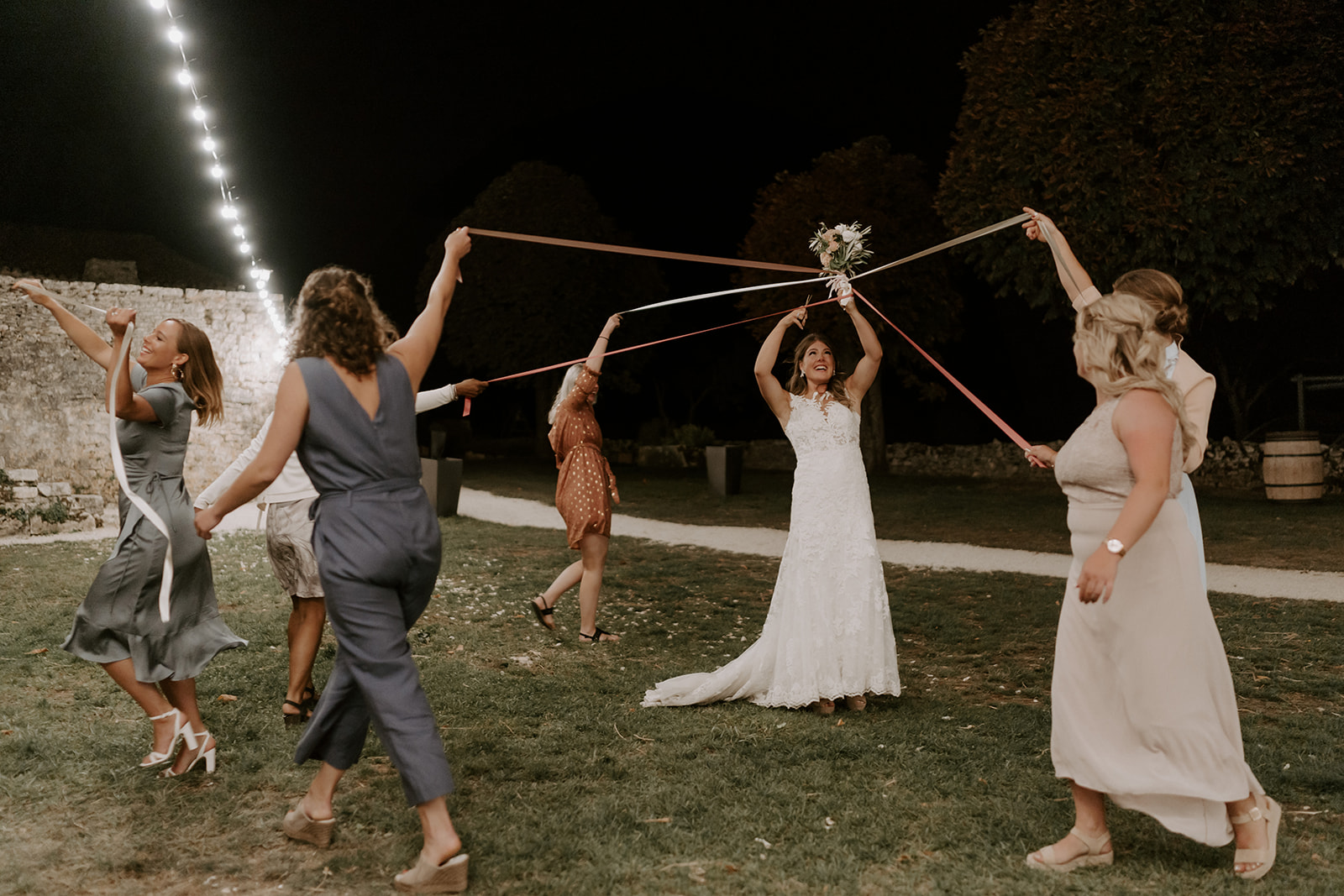 partage-copines-bouquet-mariage