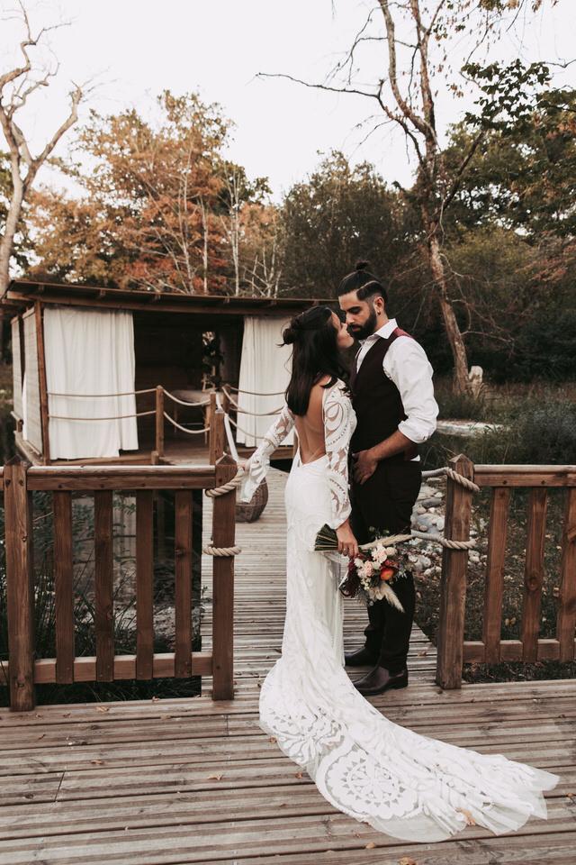faire-appel-wedding-planner-couple-marié-nature