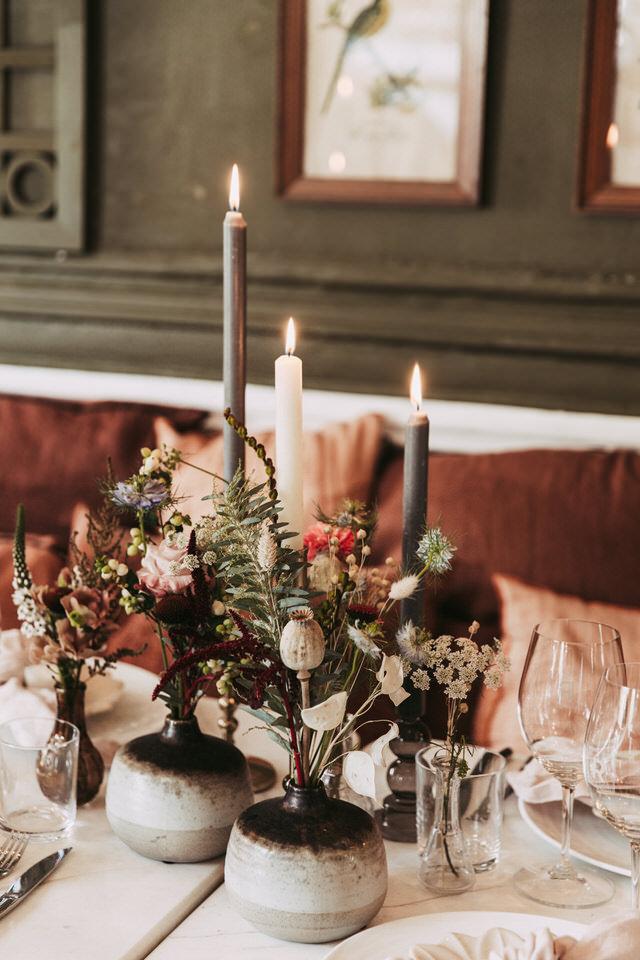 faire-appel-wedding-planner-fleurs-decoration-table