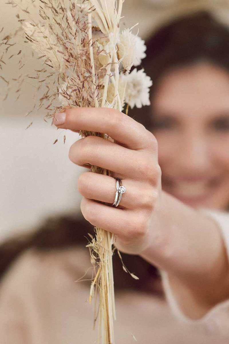 bague-fiancailles-fleurs-qualite