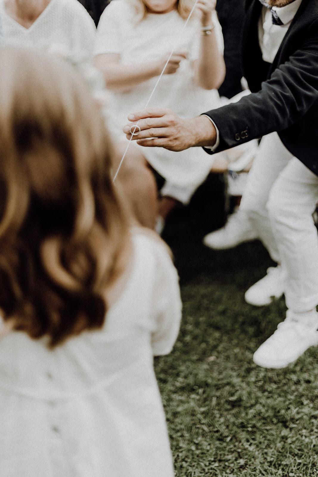 rituels-bague-officiante-enfant-couple
