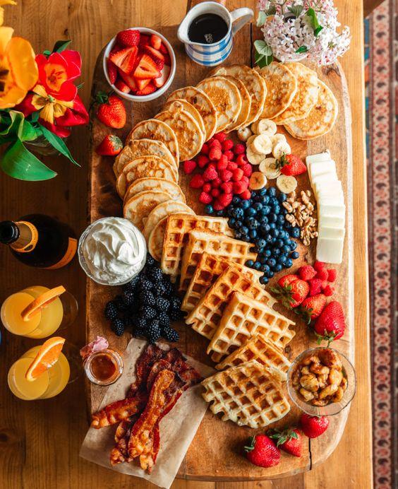 un-evjf-bordeaux-bride-brunch-pancake