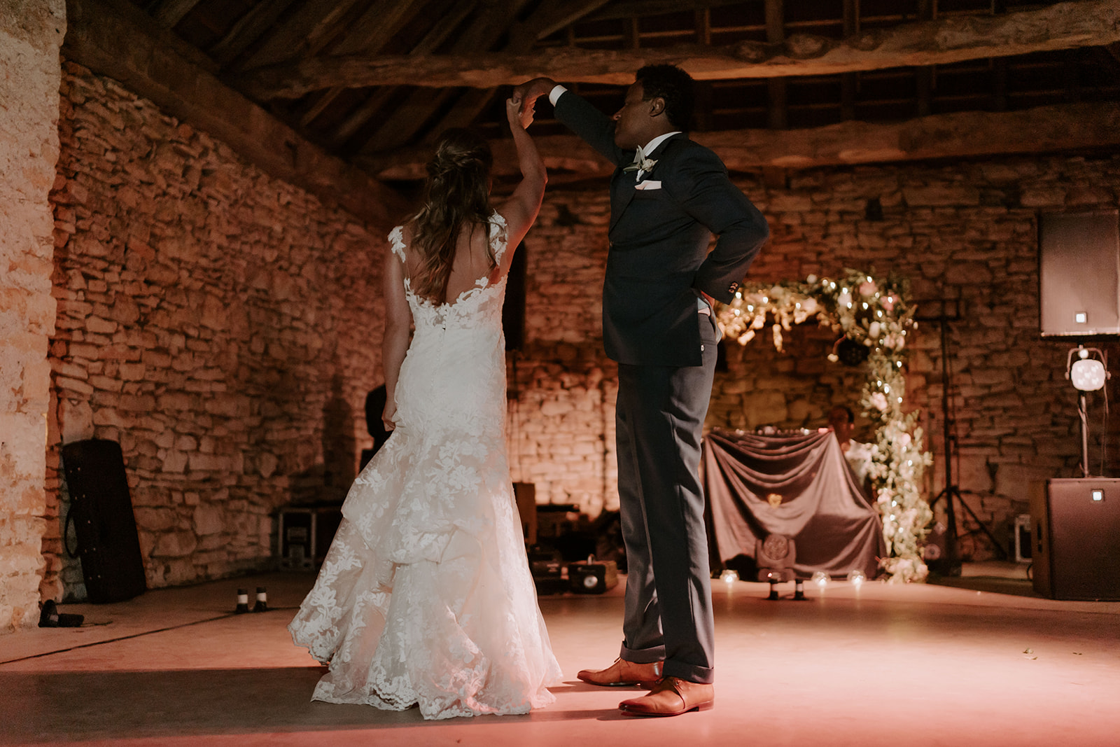 danse-couple-ouverture-soiree-mariage