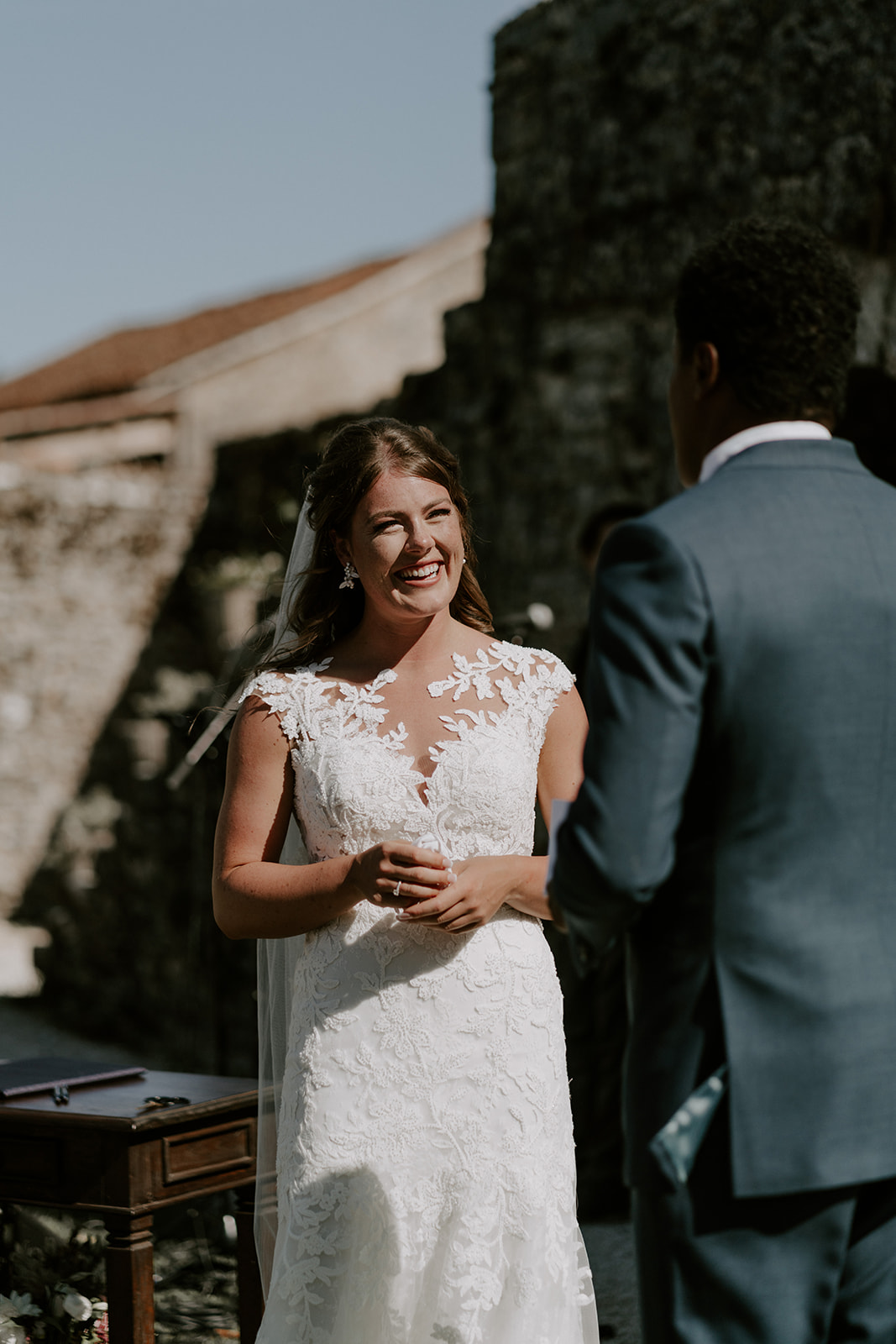 mariage-domaine-lagut-ceremonie-sourire