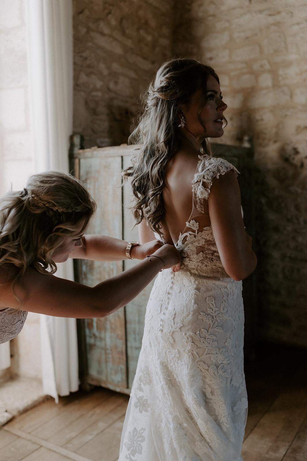 mariage-domaine-lagut-preparation-robe